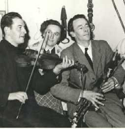 079Ennis,Seamus(pipes)&PK(fiddle).JPG